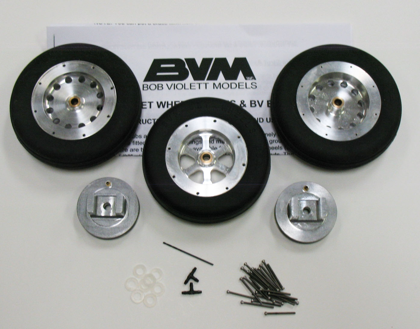 "2-5/8"" Mains, 2-1/4"" Nose Wheels and Brakes"