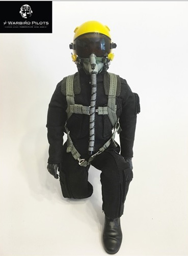 "12"" Tall Modern Jet Pilot Black/Yellow"